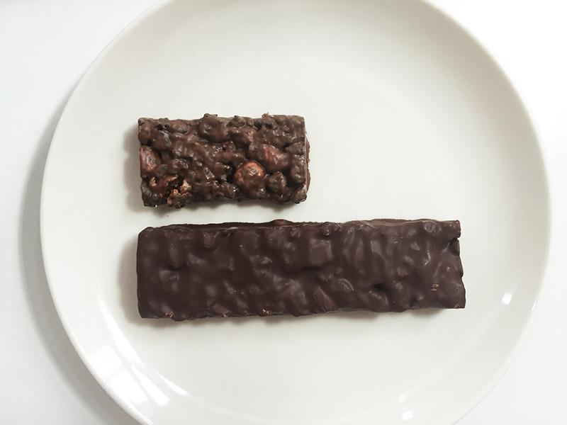 ブラックサンダー ダークマターの比較