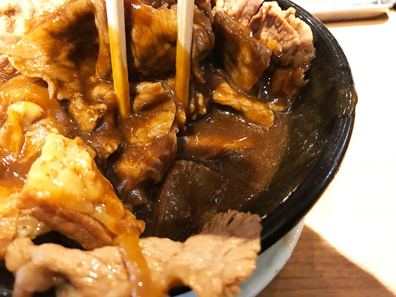 岡むら屋「肉めしカレー」(合盛カレー)