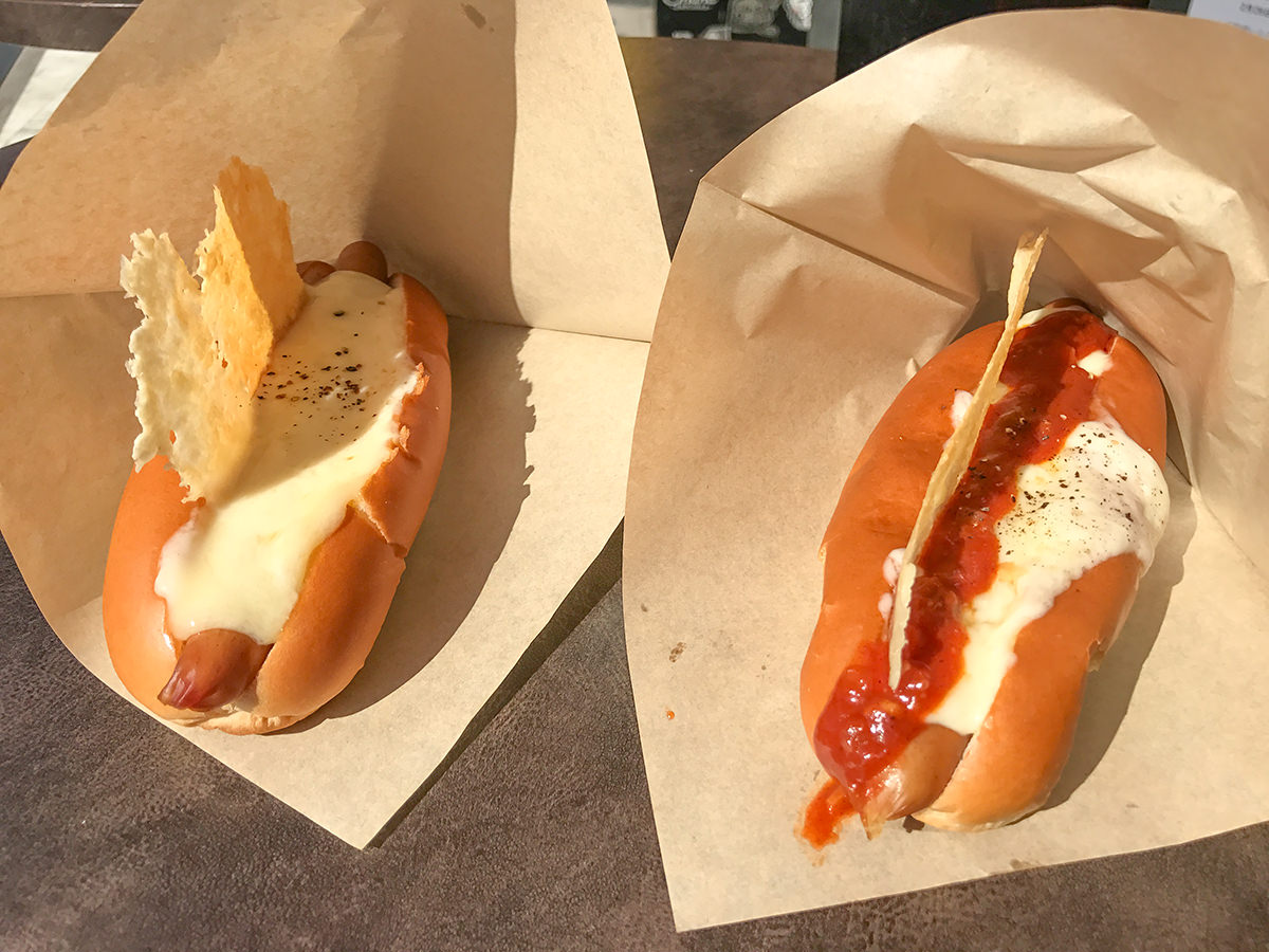 『RACLETTE CHEESE DOGS(ラクレット チーズ ドッグス) 新宿アルタ店』