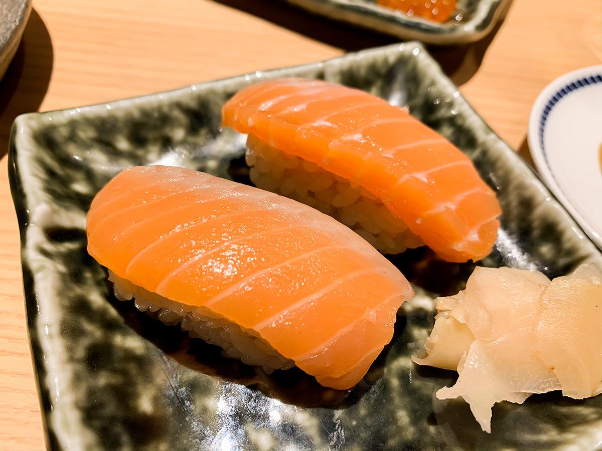 スシローの寿司 居酒屋『杉玉』飲めるサーモン