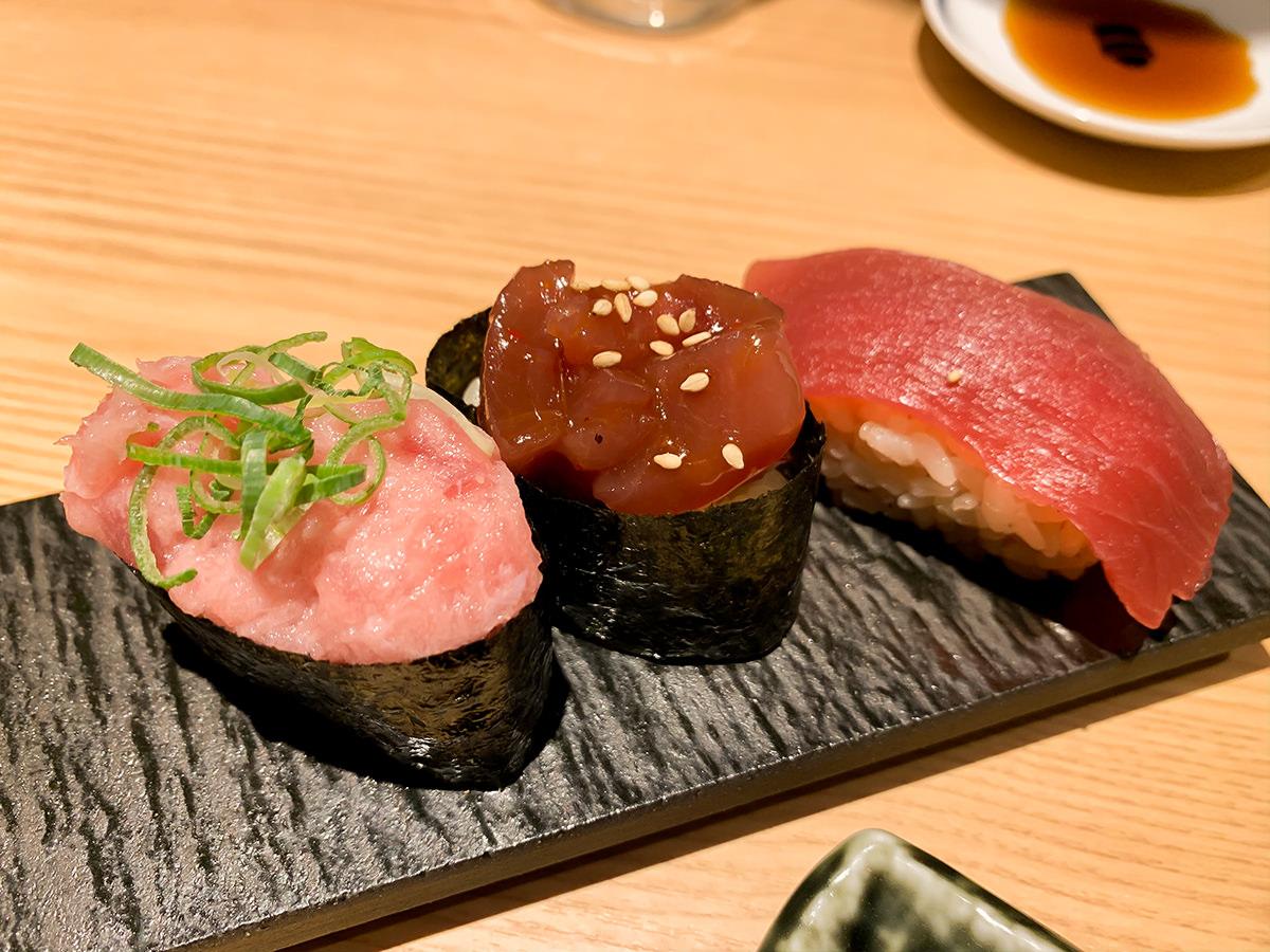 スシローの寿司 居酒屋『杉玉』欲張り、鮪。