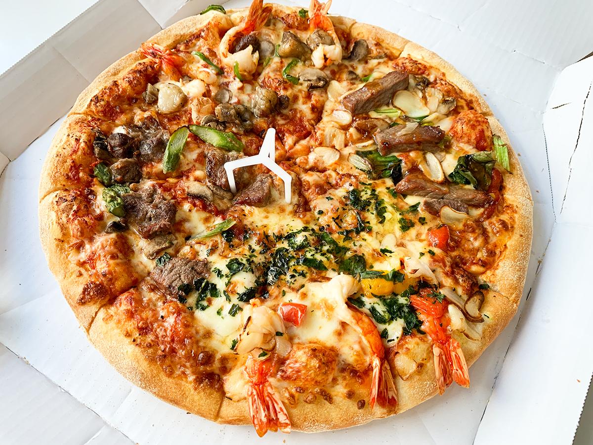 ドミノ・ピザ『クワトロ・スーパースター』
