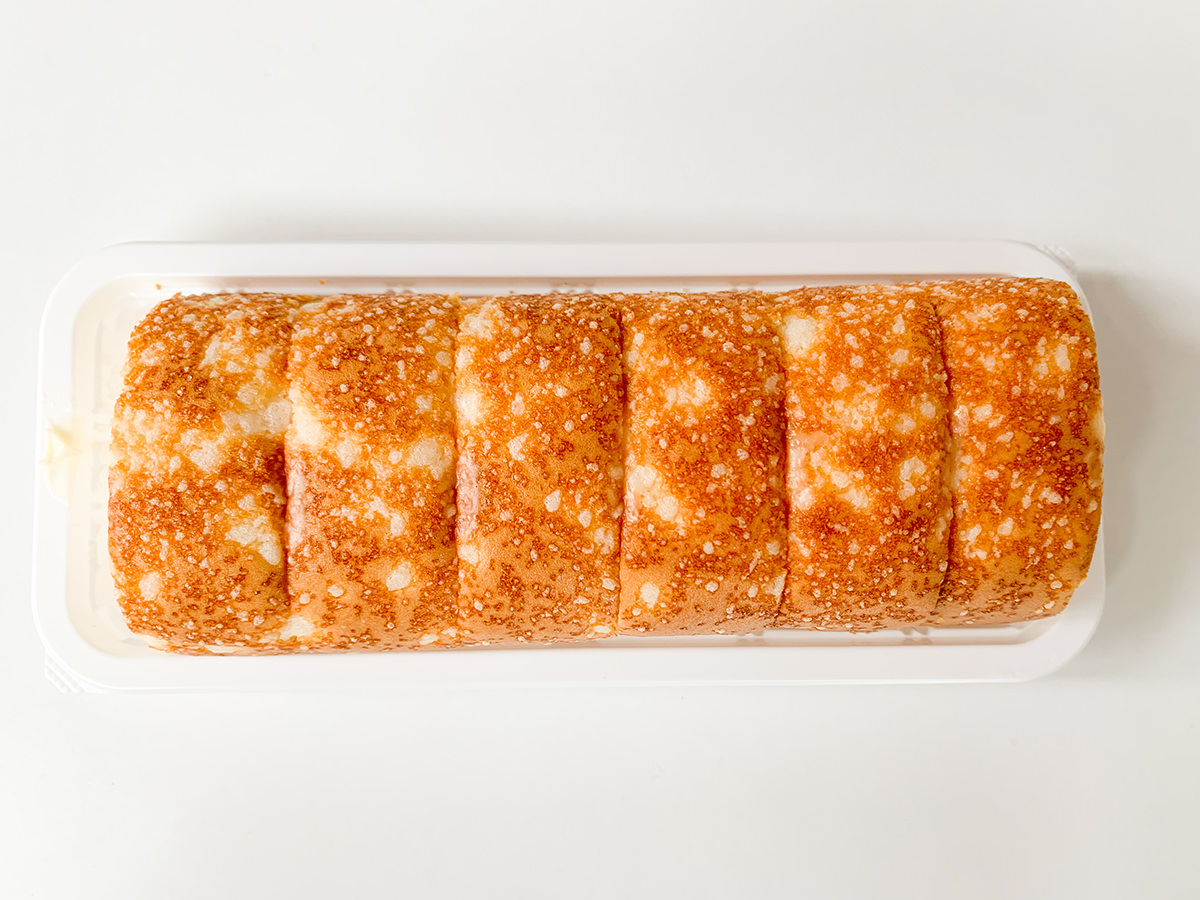 焼きチーズもち食感ロール(のびーるチーズクリーム)上から