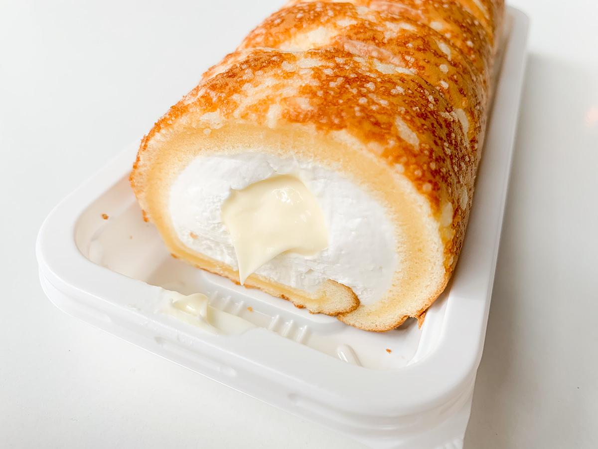 焼きチーズもち食感ロール(のびーるチーズクリーム)