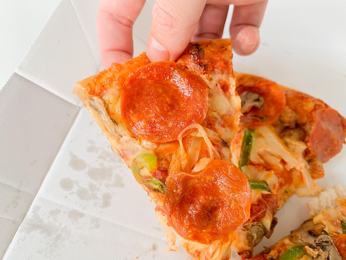ドミノ・ピザ『ハロウィンルーレット』/ロシアンルーレットピザ