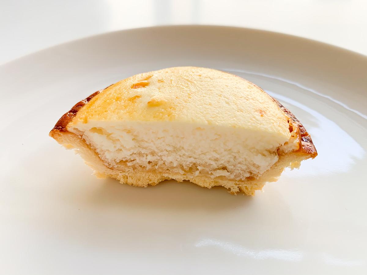 焼きチーズタルト半分